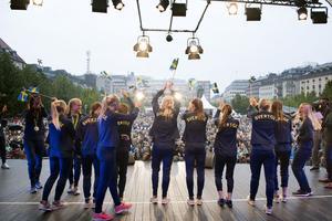 Fotbollslandslaget firades i Kungsträdgården.