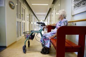Personalbristen inom vården hotar bli värre än man tidigare trott.