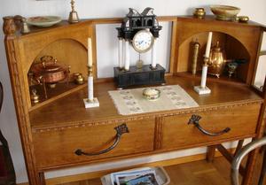 Skriv bord som ingår i den grupp Wahlmanmöbler som Hantverk och Design vill rädda till Hedemora. Foto:Ann-MarieSörbergs