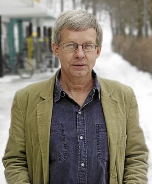 Torbjörn Tännsjö är professor i praktisk filosofi.