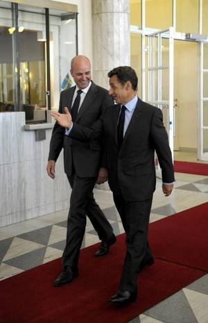 Statsminister Fredrik Reinfeldt tar emot Frankrikes president Nicolas Sarkozy.