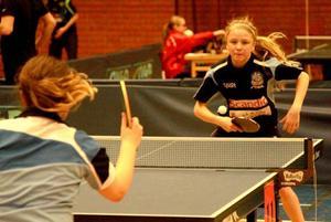 Natalie Paulsson Bixo kämpade med ett skadat knä, men tog sig ändå till final i flickor 13 och semifinal i flickor 14.