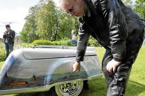 MC. Johnny Berglind och Kerstin Berglind kom till Bergslagens snyggaste på sin handmålade Honda Gold Wing  från -96. – Vi har målat halva var, vi ville inte ha en helt vit hoj, säger Johnny.