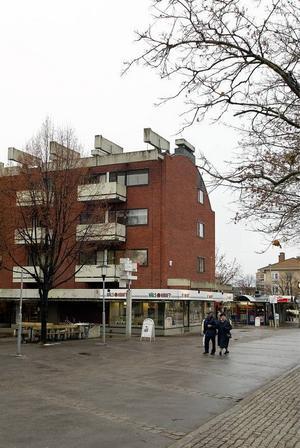Alloktons fastigheter i Sandviken. Sandvikenhus vill ogärna köpa tillbaka fastigheterna runt  Knuten, i Vallhov och på Köpmangatan.