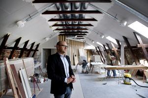 Urban Simander visar Ållateaterns gamla lokaler.