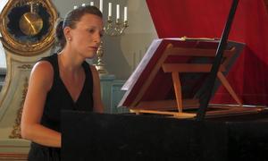 Cembalisten Petra Mariakowski genomförde musikveckans stora kraftprov med Bachs Goldberg-variationer.