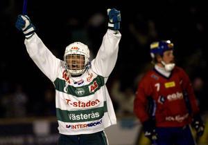 7. Rinat Shamsutov, här i Västeråströjan, återvänder i höst till svensk bandy – då i Tillbergatröjan.