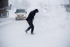 Redan den 10 november hade Smedjebacken ett snötäcke på 20 centimeter. Sedan smälte snön men den 12 december hade Barkenbygden åter ett snötäcke på två decimeter.