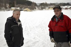 Magnus Widmark och Bengt Wikström från Matfors skoterklubb menar att busåkandet har ökat i vinter.