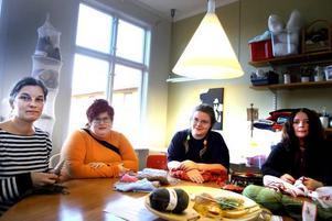 SAMVARO. Hantverkspedagogen Sara Jacobsson tillsammans med Louise Töresson, Sara Jonsson och Eva Ekström.