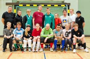 I UR:s nya programserie Gränssprängarna följer vi ett fotbollslag där alla spelare har någon form av neuropsykiatrisk funktionsnedsättning.