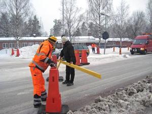 Barrsätragatan stängdes av till hälften på onsdagen efter en större vattenläcka i kommunens nät.