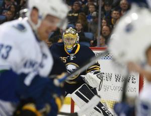 Förre Modomålvakten Linus Ullmark gör succé i NHL.