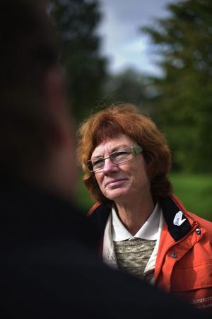 Riksdagsledamot Ann-Britt Åsebol (M) vill stoppa det organiserade utnyttjandet av utländska bärplockare i de svenska skogarna. Hon ska driva frågan i riksdagen.