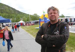 En nöjd marknadsgeneral, Hasse Svertsnoff