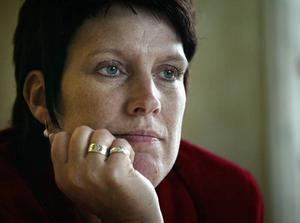 Håller tyst. Maria Pettersson tänker inte offentliggöra namnen på dem som skickar in intresseanmälningar angående tjänsten som näringslivschef. Detta trots att det i flera domar slagits fast att sådana handlingar är allmänna.