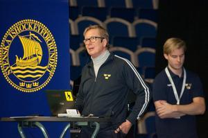 Generalsekreteraren Tommy Boustedt talade inför lagen i årets TV-puck.