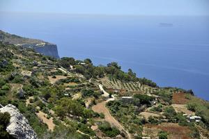På västsidan av Malta löper en klippkust med imponerande vyer.