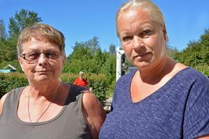 Anita Edström, Dannes mamma och gode man, till höger Carola Henriksson, Dannes assistent.