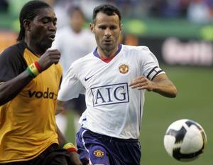 Jonathan Quartey, då spelande för Sydafrikanska Kaizer Chiefs under en match mot Manchester United.
