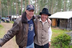 Ängersjö kojby är redan nu inbokad till nästa sommar. Gunnar Bäcke till vänster, och Stefan Ström till höger, startar nu upp ett fortsatt samarbete tillsammans med Tord & Anders Westlund, och då är det country som gäller.