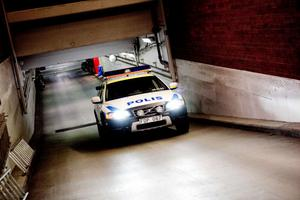 Polisen i Dalarna kan inte åka på alla larm som inkommer. Under årets sju första månader fick 946 larm prioriteras bort på grund av resursbrist.