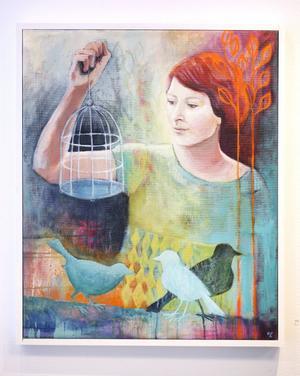 Elin Folkessons oljor visar en kvinnovärld av dans och frihetslängtan.