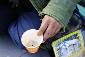 EU-medborgarna får en lokal även i år, men antalet tiggare tenderar att minska.