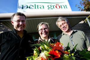Företagarna som tog priset. Thomas Akander, Ulla Hassel Hollmer och Olle Hollmer utsågs i går till Månadens landsbygdsföretagare.