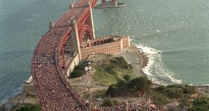 Vid brons 50-årsjubileum stömmade hundratusentals till för att fira.