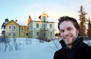 – För mig är det viktigast att det gamla huset kommer att bevaras. Det är största orsaken till att jag köpte det, säger Erik Sätre från Frösön, som till vardags driver caféet på gamla tingshuset i Östersund.