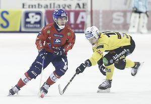 Daniel Burvall Jonsson, här i ett möte med moderklubben Broberg under förra säsongen.