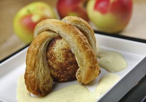 Äppelknyten med äkta vaniljsås