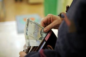 Enligt riksbankslagen är mynt och sedlar alltid giltiga betalningsmedel – men inte i Region Gävleborg.