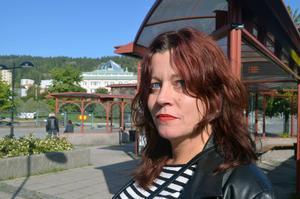 Rose-Marie Frank, 35 år, Sundsvall.   – Nej, jag kommer att byta.
