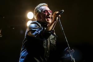 Bono och hans U2 är i Sverige.