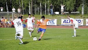 Ali Reza laddar – och smäller in 3–1 för pojkallsvenskans topplag Bollnäs.