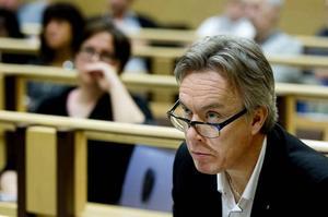 Kommundirektör Stefan Söderlund inväntar djupintervjuerna innan han säger något om rapportens resultat.