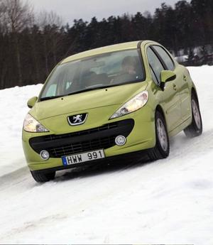 Peugeot 207 är en av Europas populäraste småbilar. Nu är den också fintrimmad för att klara svenska miljöbilskrav.