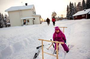 Nästa höst ska skolan läggas ner. Lia är ett av de nästan 60 barnen i Västbygden som kommer att beröras. Foto: Håkan Luthman