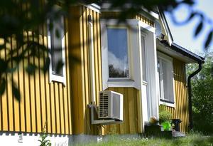 Att spendera mycket pengar på en säker ytterdörr hjälper föga om altandörr och fönster är lätta att bryta upp.   Foto: Anders Wiklund/TT