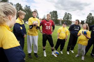 Brages målvakt Gerhard Andersson fanns på plats då fotbollsskolan för funktionshindrade hölls under veckan.