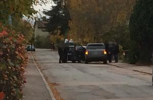 En man togs efter en kortare biljakt av polisen på Jakobsgatan i Västerås.