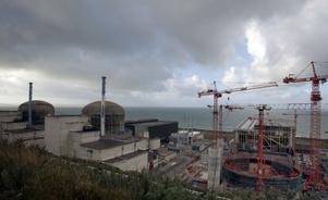 Här är kärnkraftverket i Flamanville, i Frankrike.