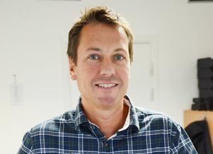 Svenska hems delägare Joakim Olsson har sagt upp all personal i butiken.