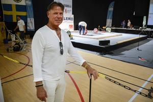 Hans Bettembourg är på plats under SM-veckan i Sundsvall där tjejerna dominerar i tyngdlyftningen.