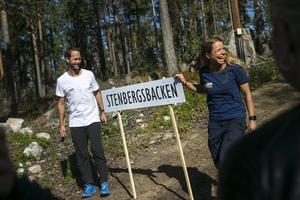 En brant och tung uppförbacke för att hedra och hylla tävlingsledaren Nisse Stenberg från 1951-års skid-SM i Söderhamn.