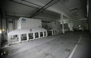 En kontainer på ett lager hos SFR (Slutförvaring för radioaktivt driftavfall)i Forsmark är fylld med radioaktivt avfall. Avfallet väntar på vidare transport ner i urberget.