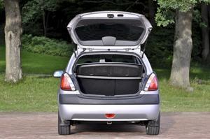 Bagaget på 270 liter håller samma klass som VW Polo, Citroën C3, Ford Fiesta och Peugeot 206.