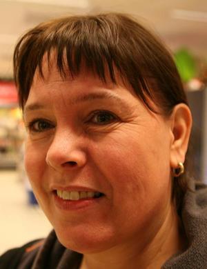 Carina Eriksson, Hallviken– Jag vill att den ska betyda lugn och ro samt umgånge med nära och kära. Men då jag jobbar som lärare är det mycket jobb med betyg och så inför julen, Jag ska fira julen med mamma och hennes gubbe samt min sambos tio släktingar som kommer hit från Blekinge.